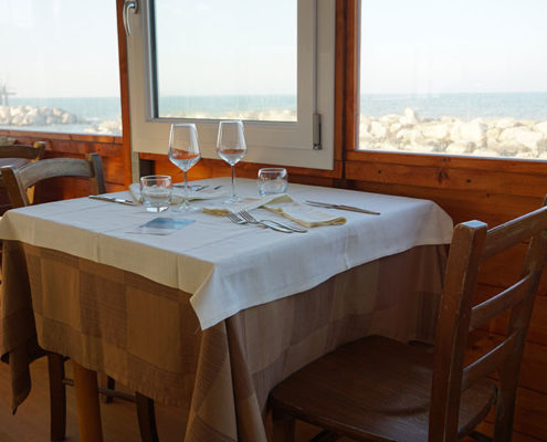 La Vecchia Pesca | Ristorante di Pesce Palafitta sul Mare ad Ancona